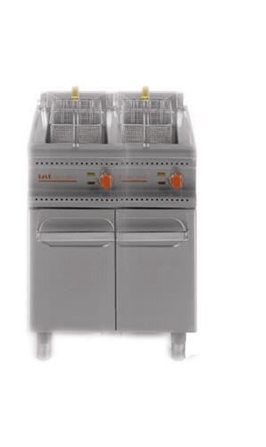 E-Doppelbeckenfriteuse 2x15l geschossener Unterbau Anschlusswert - Produkt - Gastrowold-24 - Ihr Onlineshop für Gastronomiebedarf