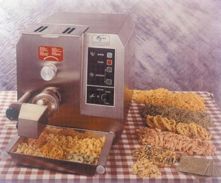 Modell P9 Pastamaschine BTH: 480 x 750 x 480 mm Anschlusswert: 8 - Produkt - Gastrowold-24 - Ihr Onlineshop für Gastronomiebedarf